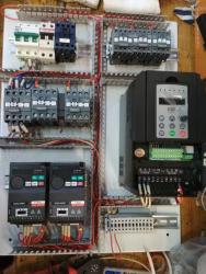 Щит управления мостовым краном с установкой частотного регулирования скорости 1