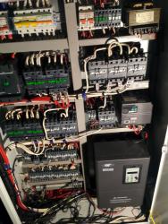 Щит управления мостовым краном с установкой частотного регулирования скорости 2